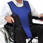 Chaleco con perineal para silla de ruedas